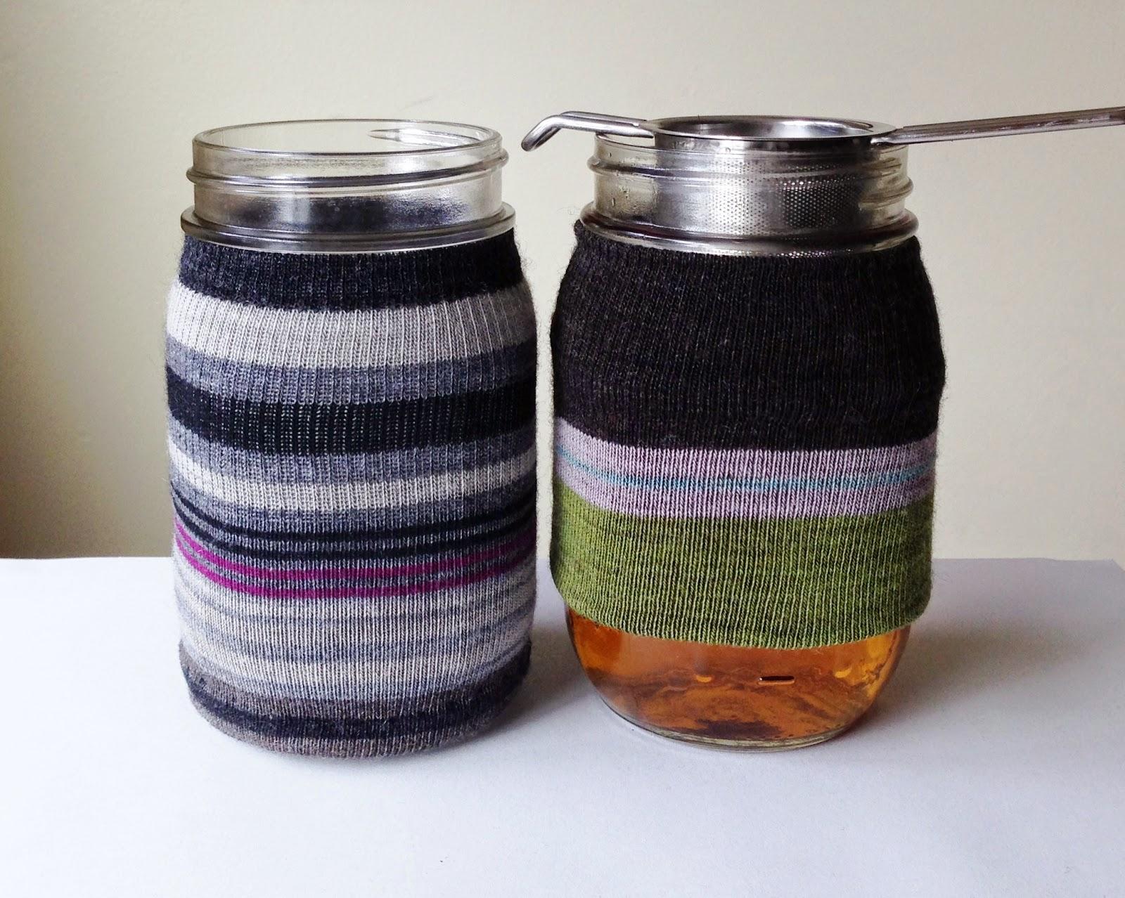 http://webloomhere.blogspot.com/2014/12/another-mason-jar-cozy-tutorial.html