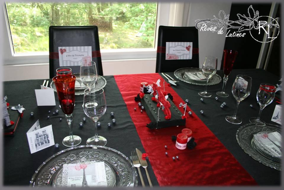 Deco table noel rouge et noir for Deco table noir et rouge