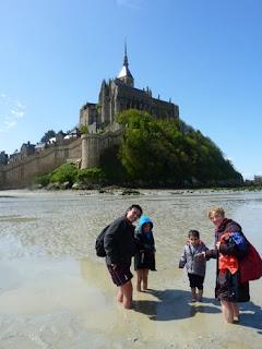Los Viajes de Héctor al completo en el Mont Saint Michel.