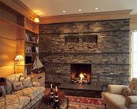 sala moderna con chimenea