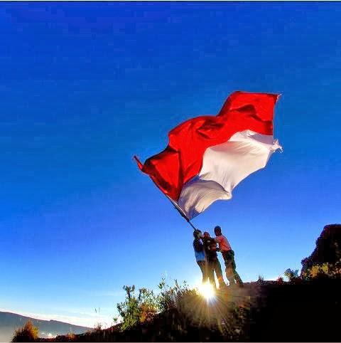Mengapa Indonesia menggunakan Merah-Putih ? Inilah Sejarahnya !!