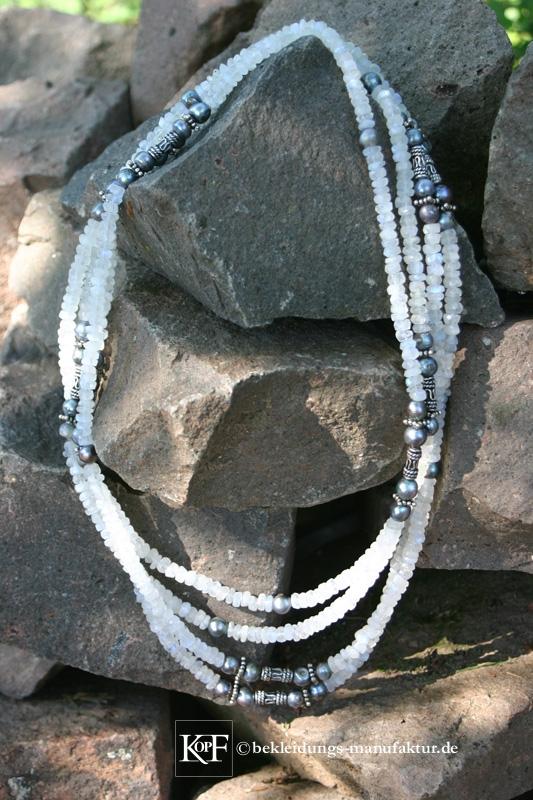 Mondsteinkette © Bekleidungs-Manufaktur