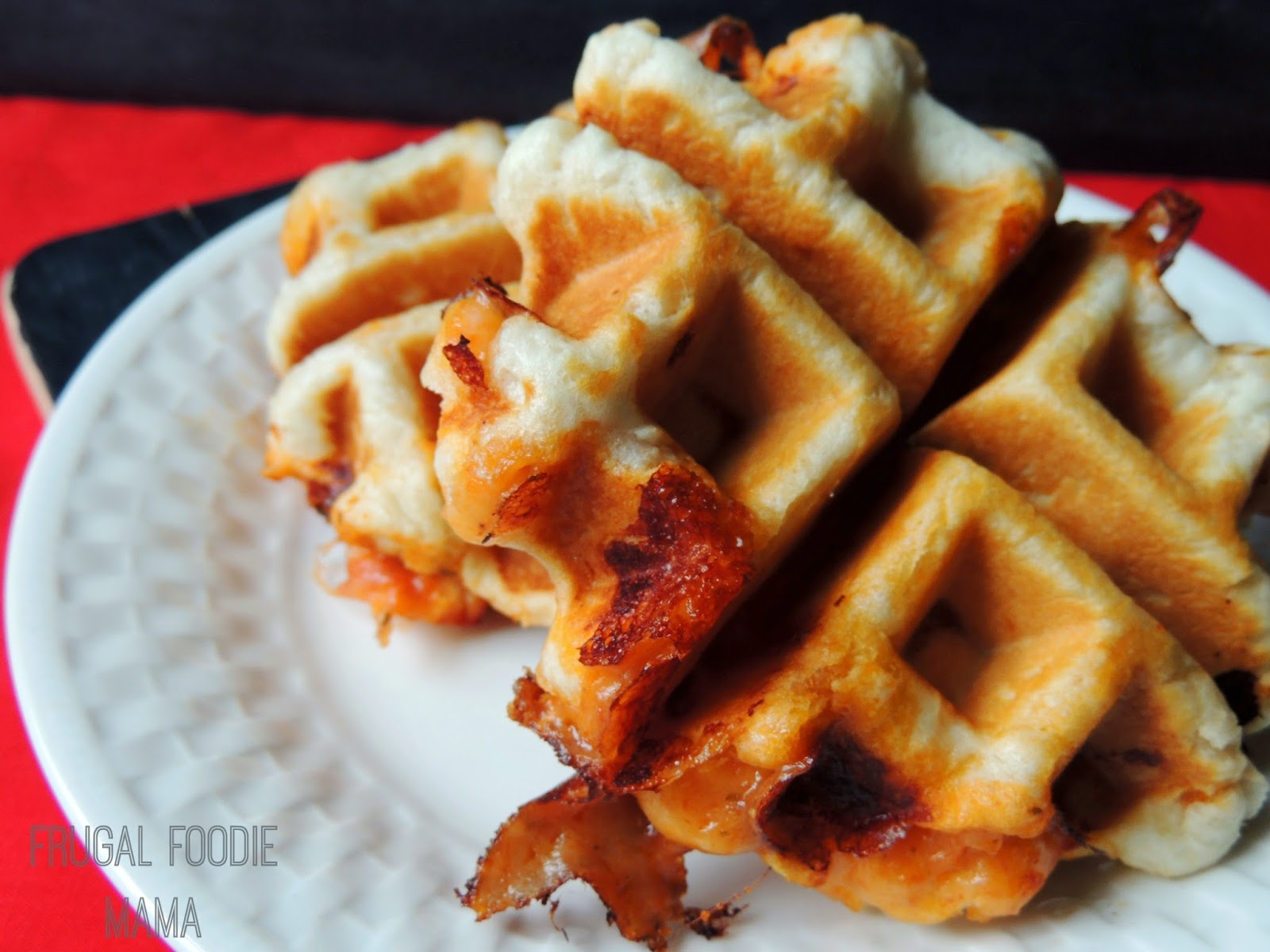 Easy Pepperoni Pizza Waffle Pockets via thefrugalfoodiemama.com #refrigeratedbiscuits