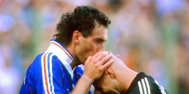 Ritual Paling Aneh Pemain Sepakbola Di Dunia