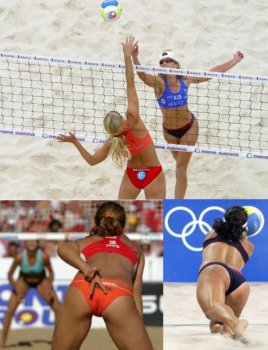 Juego de voleibol de playa con chicas desnudas