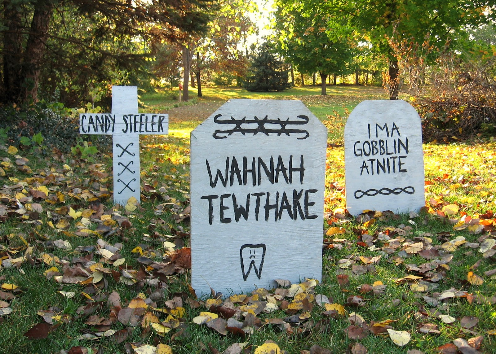 operation paper cut: diy halloween gravestones