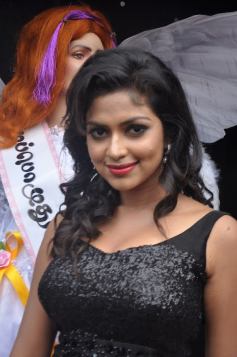 amala paul glamour  images