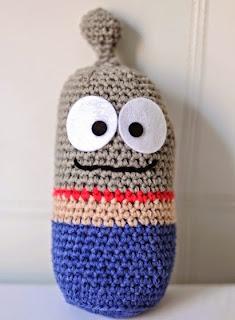 http://elgallobermejo.blogspot.com.es/2013/03/patron-del-toy-gris.html