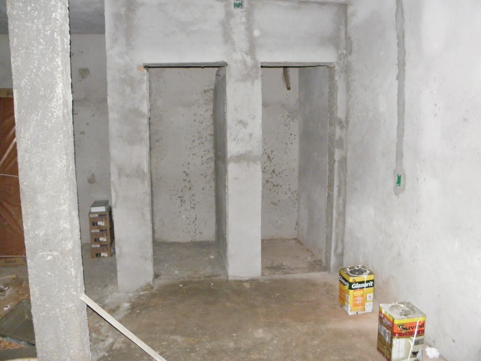 #A38928 As paredes da frente serão duplas: uma parede de meio tijolo   uma  472 Janelas Duplas Isolamento Acustico
