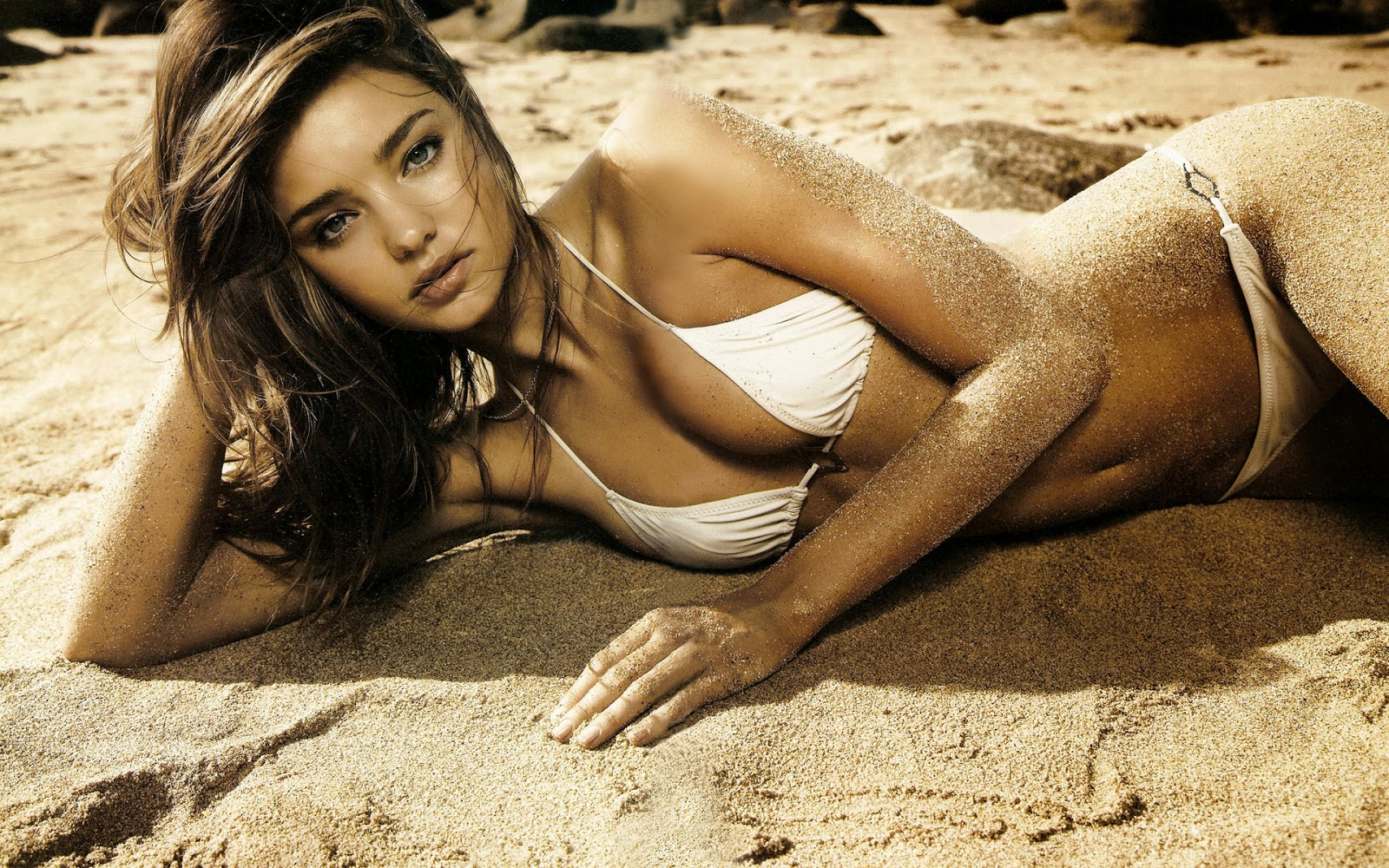 Top 10 Hottest Models In 2013