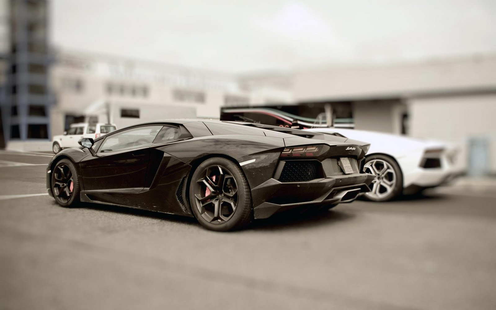 Luxury cars lamborghini aventador wallpapers for Expensive wallpaper