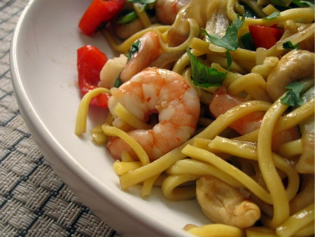 Prawn and Cashew Noodles