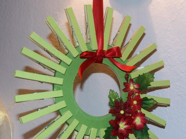Retro Holiday Wreath