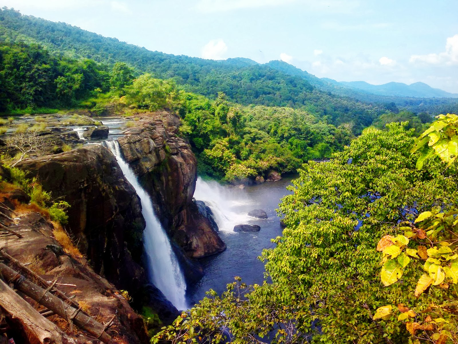 Large Hd Wallpaper Athirappalli Waterfall Keralas Most Popular