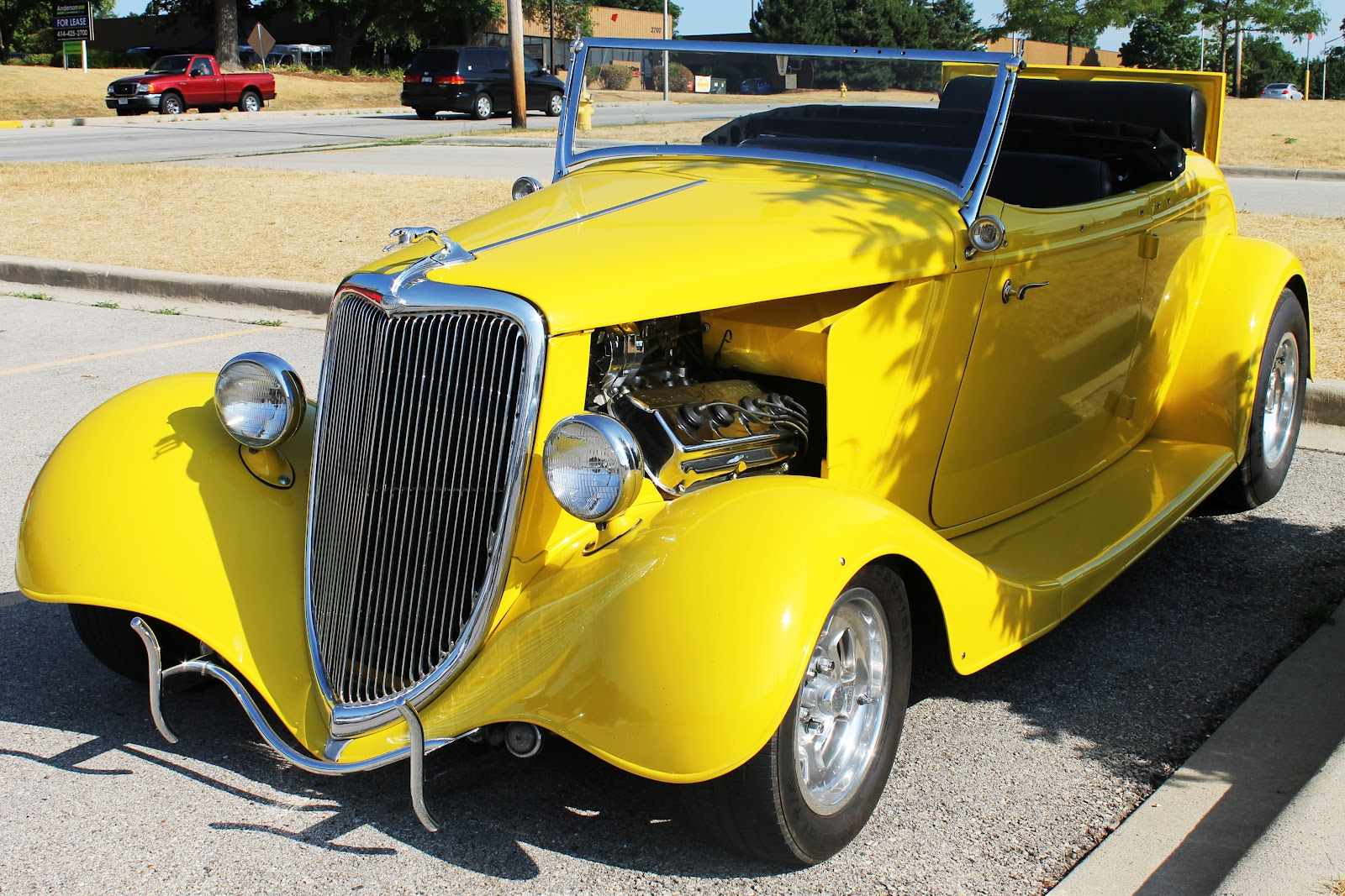 Midwestern City Girl: Classic Car Wednesday in Waukesha