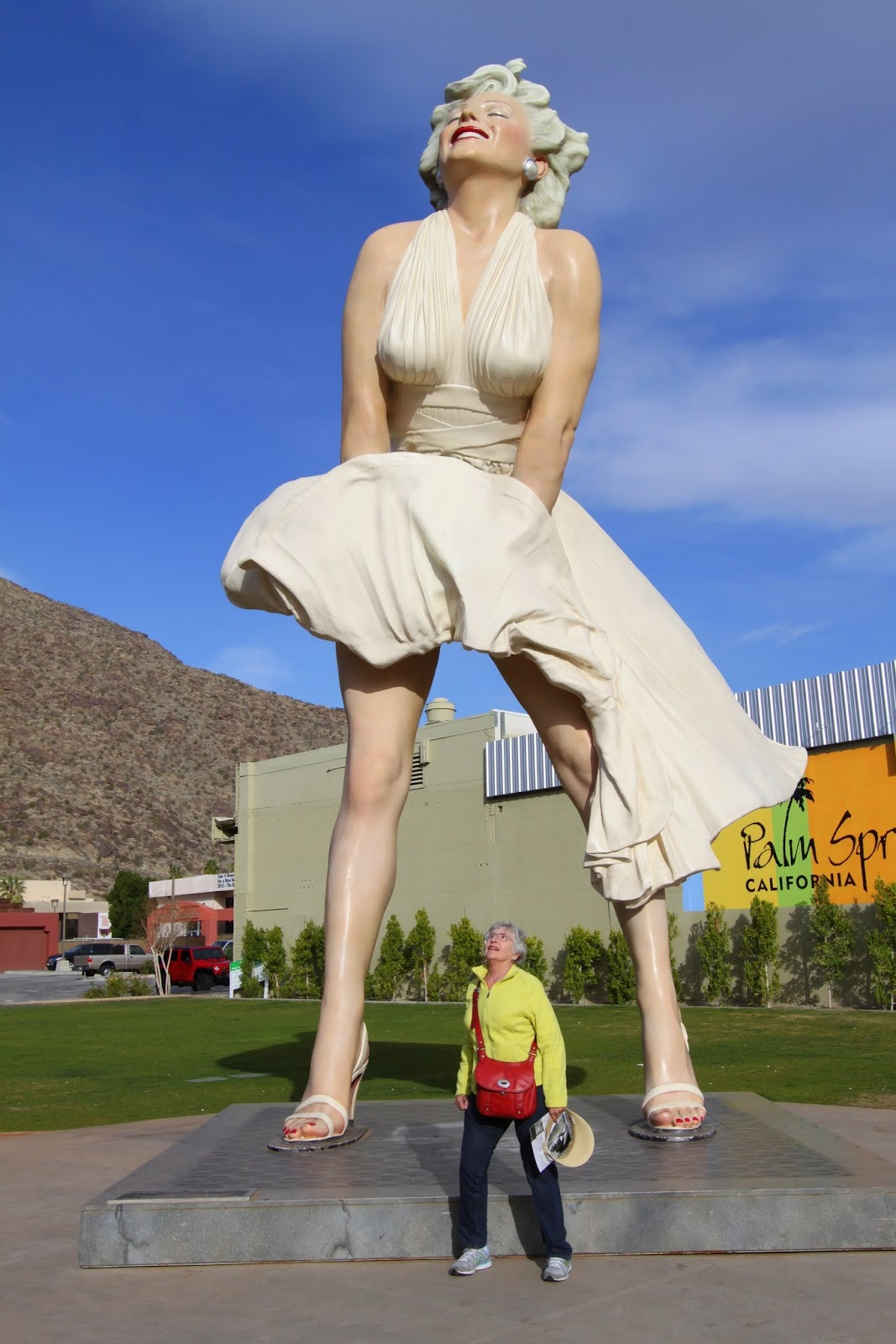 Psmw not saving the best for last frey house ii mid for Marilyn monroe palm springs home