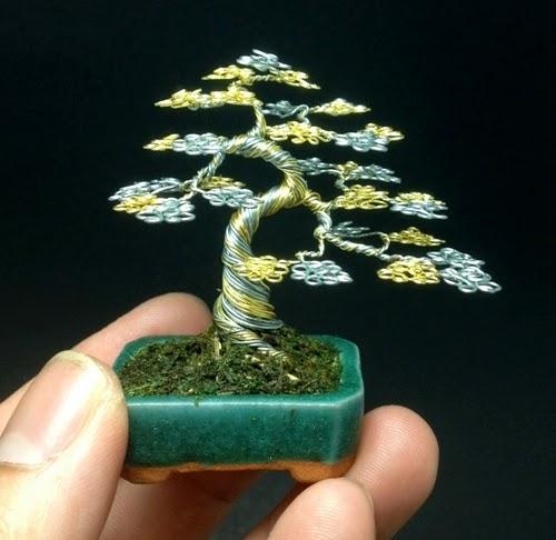 00-Ken-To-aka-KenToArt-Miniature-Wire-Bonsai-Tree-Sculptures-www-designstack-co