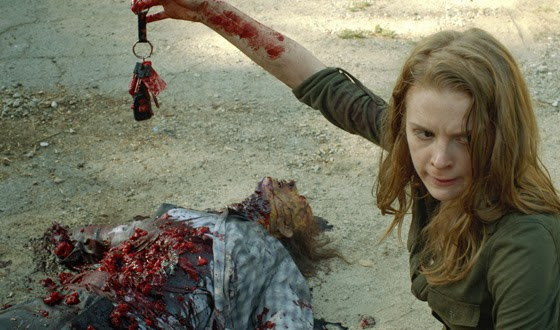 "Ashley Bell es Karina en ""The Oath"", la tercera temporada de webisodes de The Walking Dead"