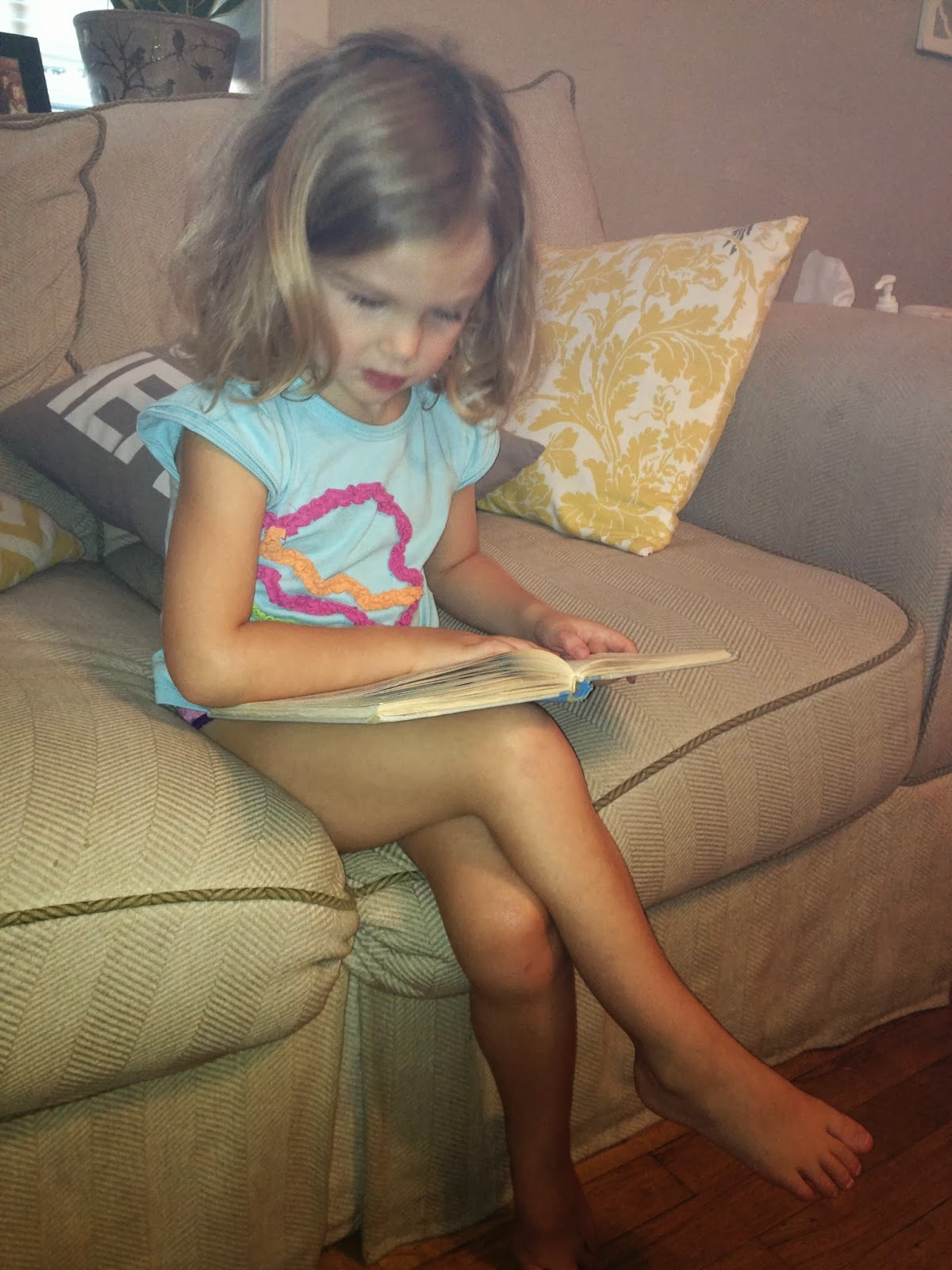 Download image Little Girl Crossed Legs Feet PC, Android, iPhone and ...
