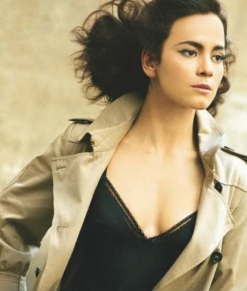 Alice Braga Hairstyle 34