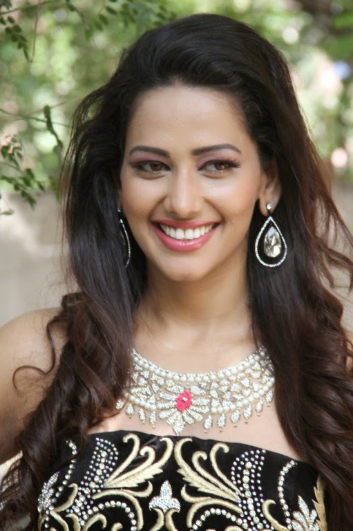 Sanjana Singh Latest Unseen Photoshoot Stills
