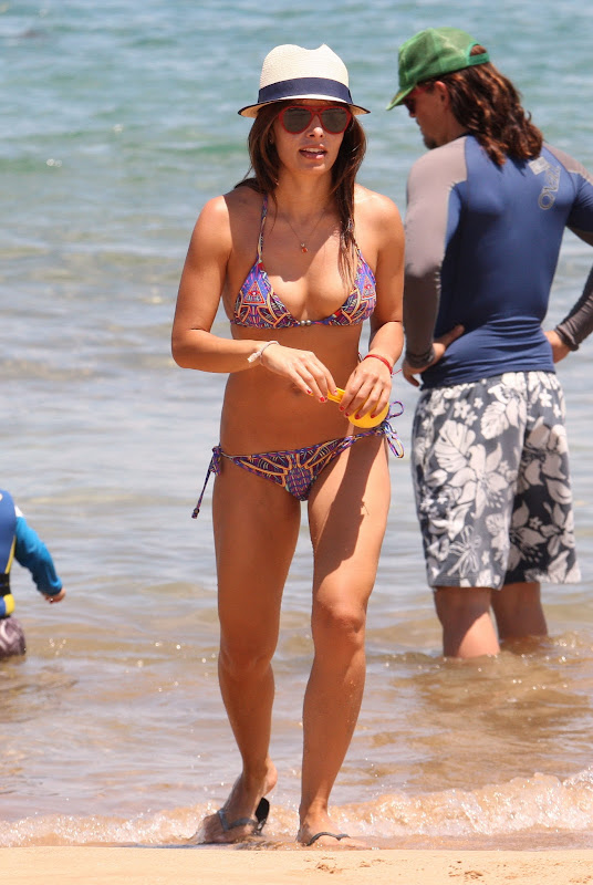 Sarah Shahi bikini candids in Hawaii