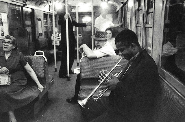 Most of the jazz photography before me showed sweaty musicians with shiny faces in dark smoky little bars that was jazz to most people