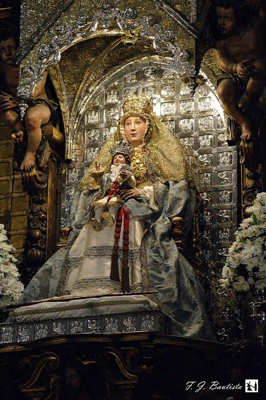Cofrad as sevilla reposici n al culto de la virgen de los for Mudanzas virgen de los reyes