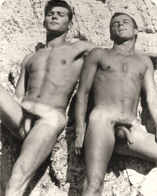 Vintage nude men on the beach pic 458