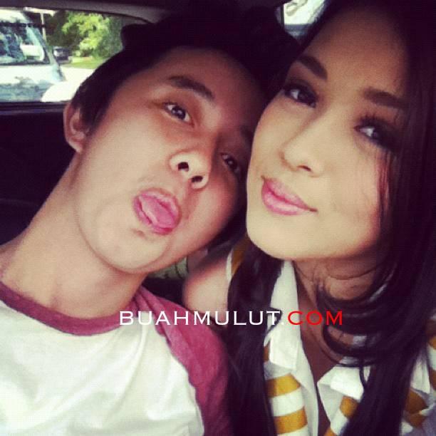 chacha+maembong+pakwe Gambar Cha Cha Maembong Dalam Pelukan Kekasih