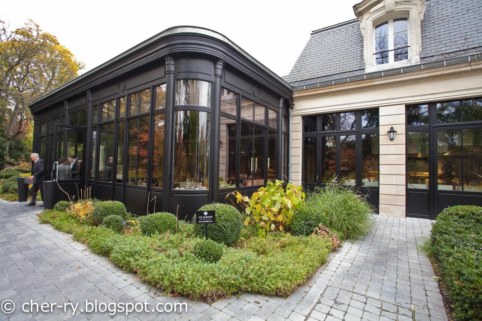 Life of a lil notti monkey le jardin brasserie for Brasserie le jardin
