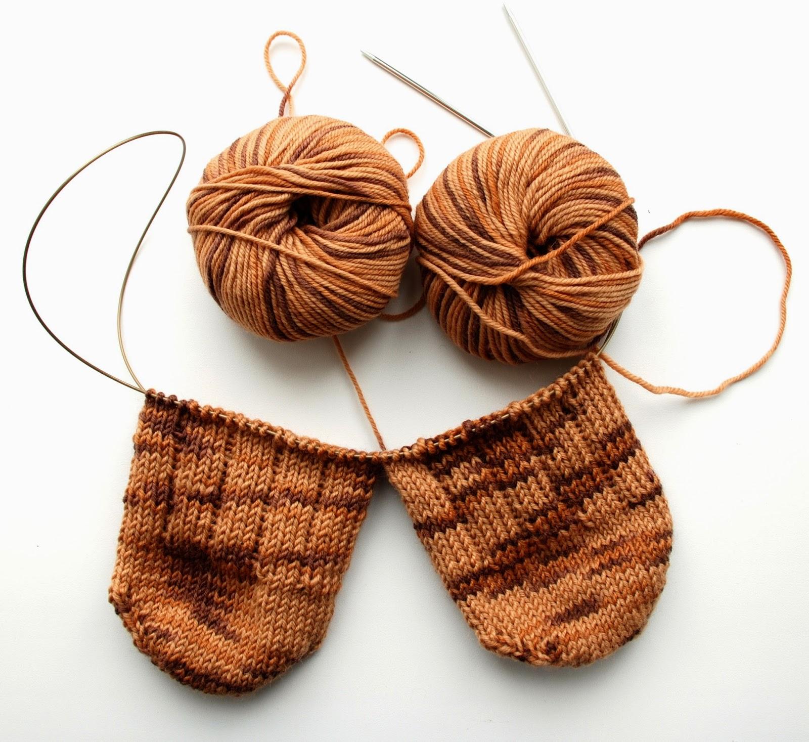 связать платье на годик спицами схема нитка плюшка
