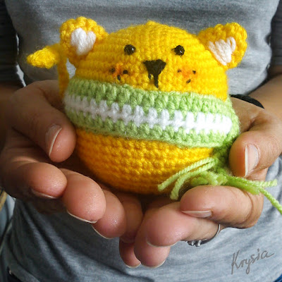 szydełkowa piłka kotek amigurumi