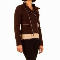 Jacheta moderna, de culoare maro-inchis, cu aspect matlasat ( )