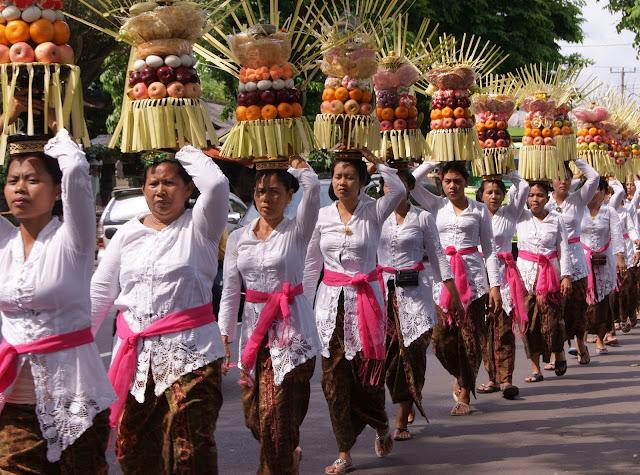 Odalan procession - balinese