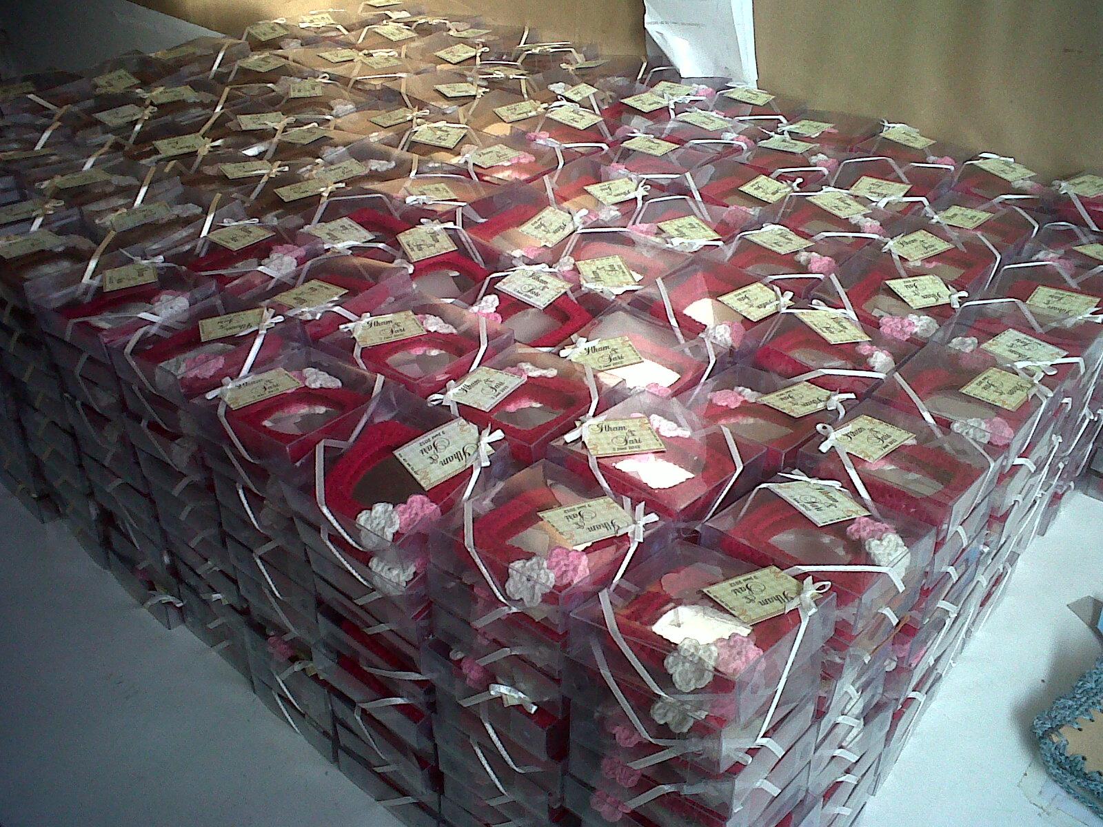 Wedding Favors Raissa Ang Gift And Accesories Cermin Sovenir Harga Price By Request Cara Pemesanan Untuk Souvenir Pernikahan