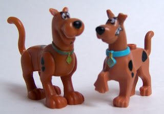 LEGO Scooby vs Character Building Scooby