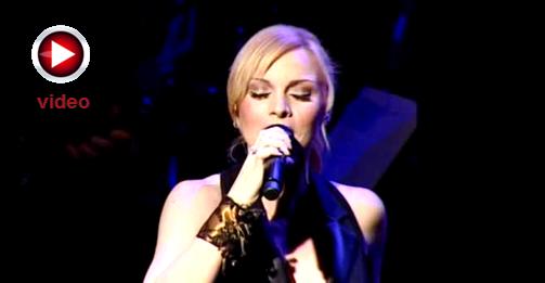 Δυο Ψέματα - Πέγκυ Ζίνα Live Video