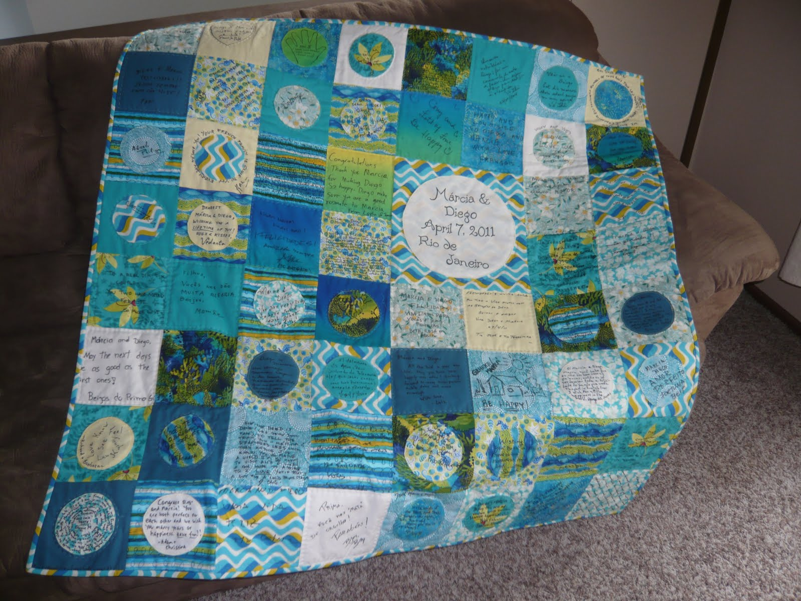 Simply Stylish Designs: Guest Book Quilt Finished