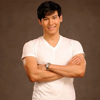Enchong Dee as Ethan