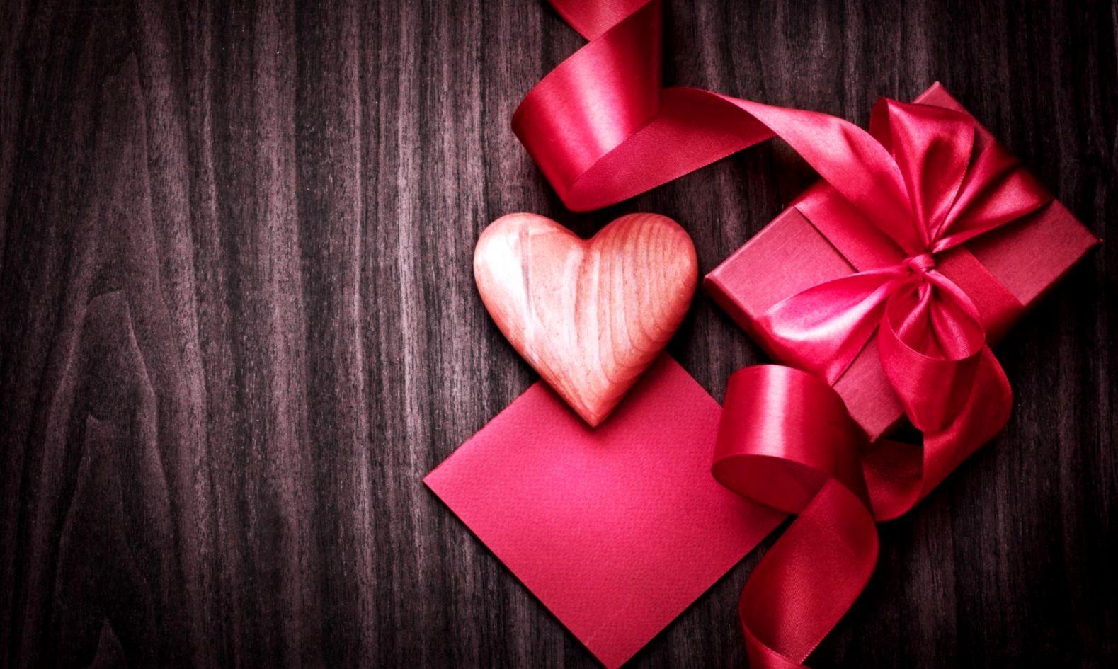 Love heart gift box ribbon pink hd wallpaper freehdwalls  Chainimage
