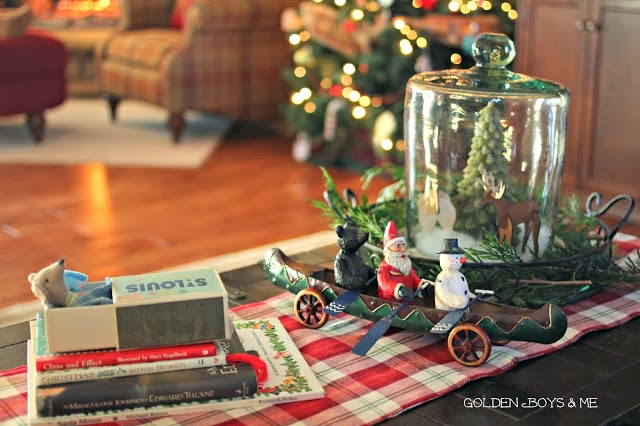 Mouse in a matchbox and Santa Mouse story in Christmas Family Room-www.goldenboysandme.com