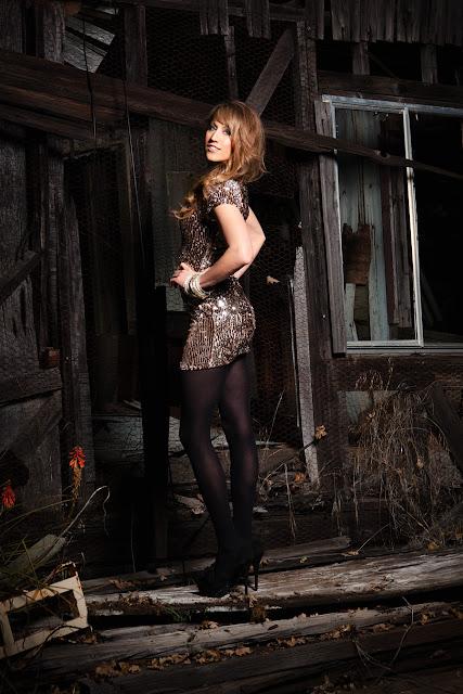 Savvy+Spice+blog+Forever+21+Dress+Jody+Steliga+Dale+Steliga+wearing+tights+wiht+short+dresses
