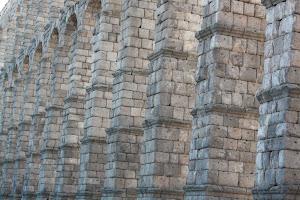 Si lo romanos hubieran tenido una manguera no habría hecho falta el acueducto.