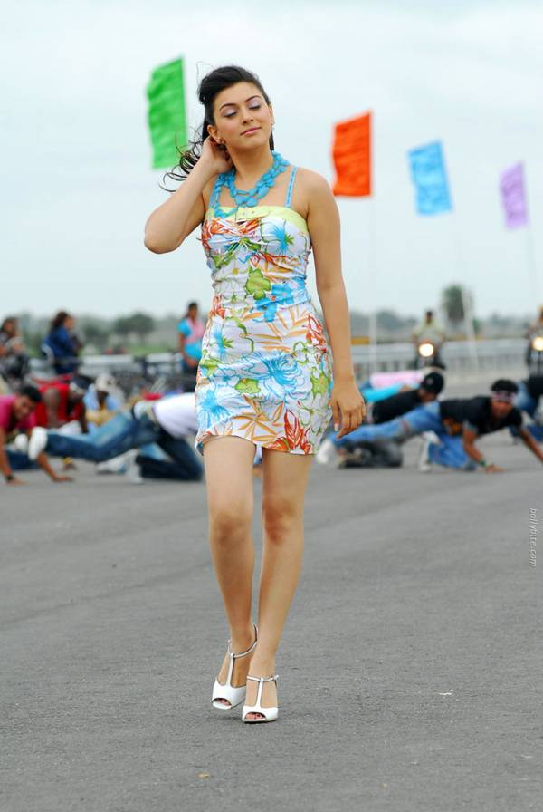 Hansika Motwani Latest Pictures-13