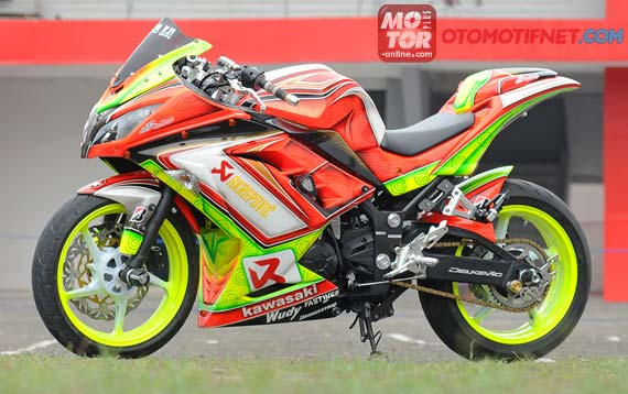 Modifikasi Kawasaki New Ninja 250 Warna Jreng Mentereng