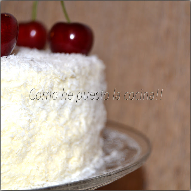 tarta de coco swiss meringue buttercream