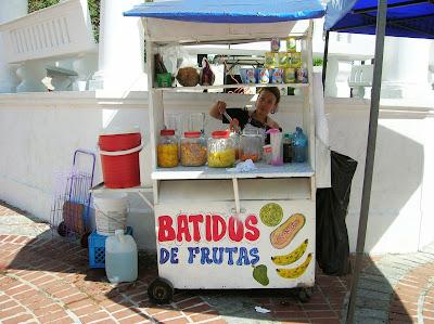 carrito de batidos, comer barato en viajes, round the world, mundoporlibre.com