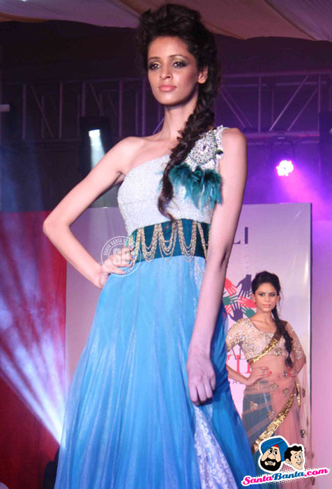 Model Walk the Ramp at Global Movie Independence Fashion Show  - (14) - Global Movie Independence Fashion Show Photos