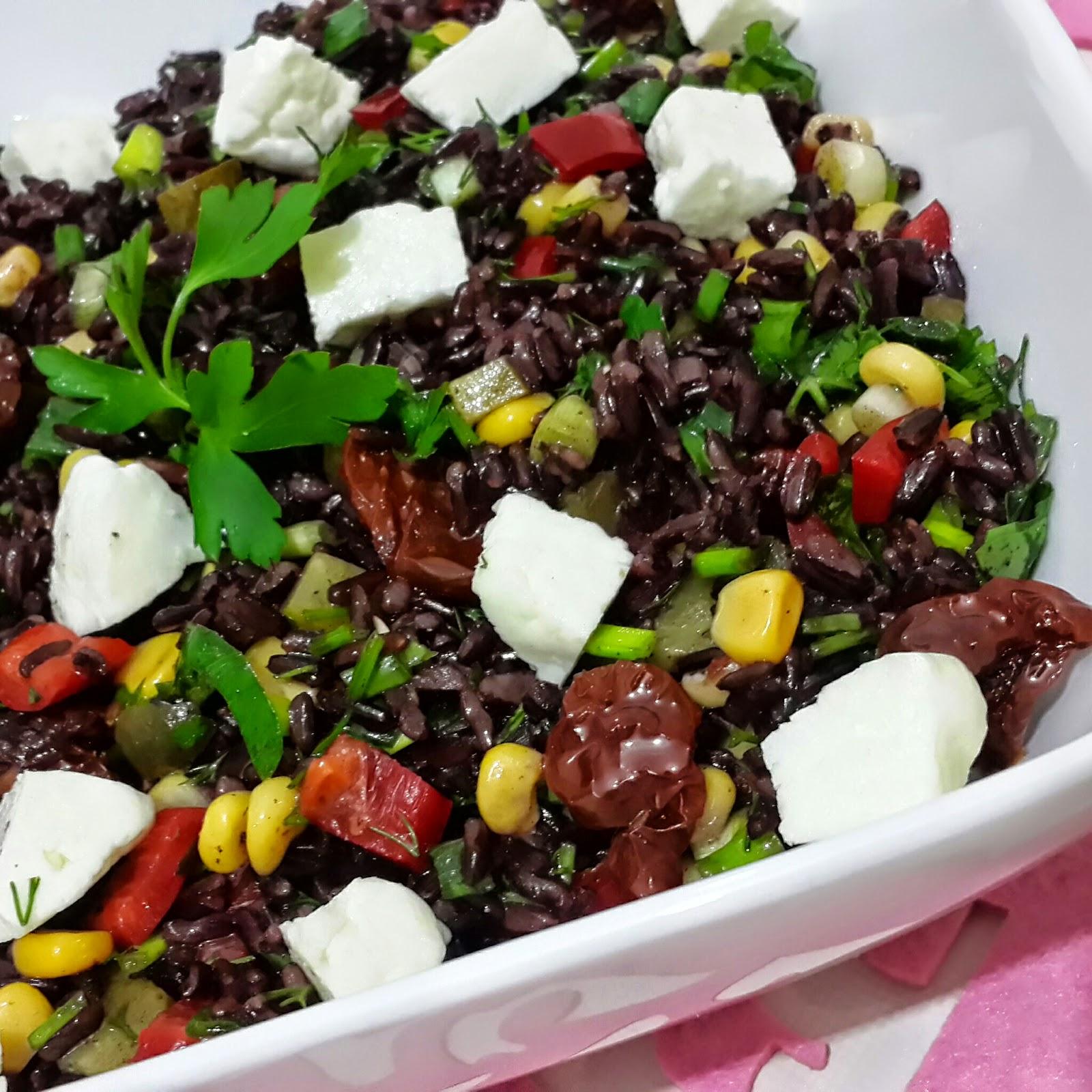 Yabani pirinç salatası tarifi